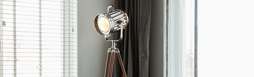 Lampade di legno