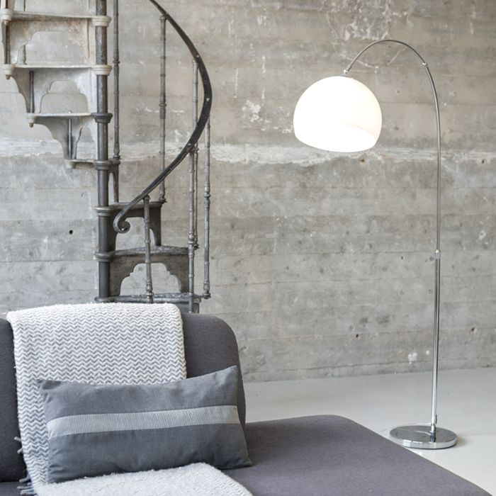 Lampada-ad-arco-moderna-cromata-con-paralume-bianco---ARC-Basic